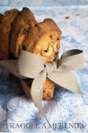 Biscotti al cioccolato e nocciole tostate