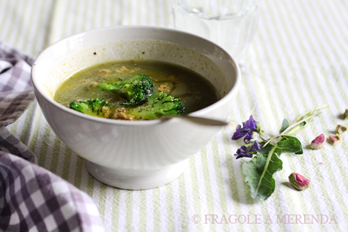 Vellutata di broccoli e acciughe