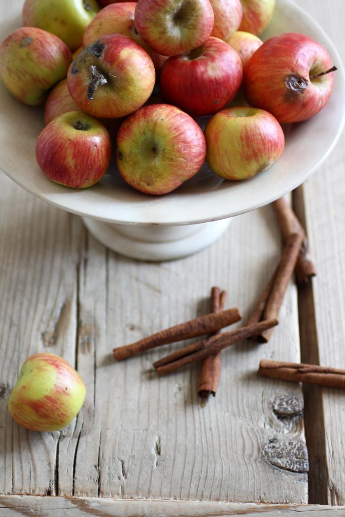 Un'alzatina di mele e cannella, dalla cucina di FRAGOLE A MEREND