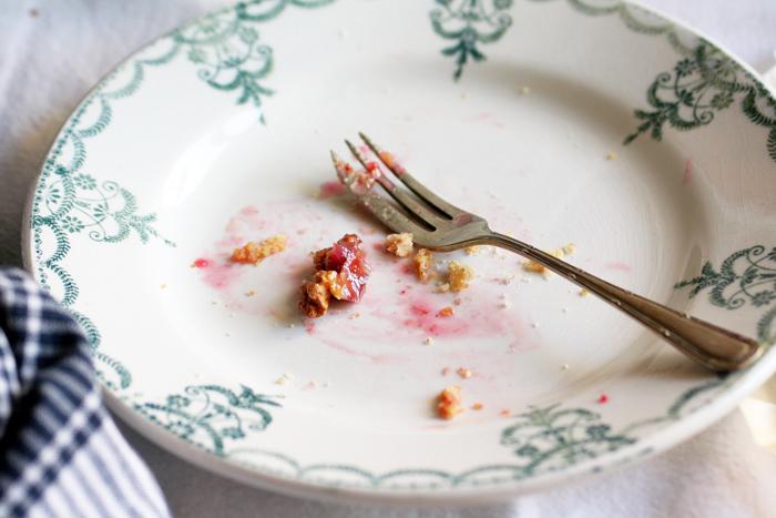 La torta vegana di prugne e noci