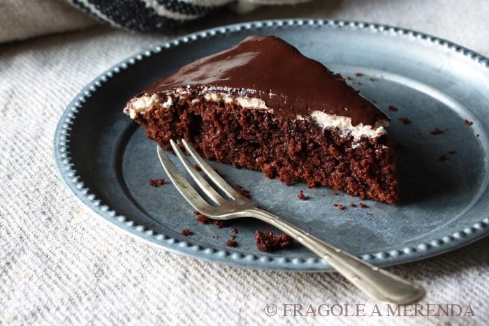 Torta morbida al cioccolato, ricetta di FRAGOLE A MERENDA